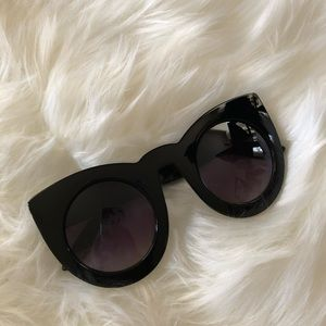 Black Sunnies-Beverly Hills Feels-Coco Cherice
